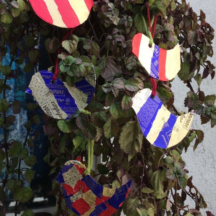 Figuritas de colores para el árbol