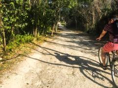 Camino hacia el cenote Xcanché
